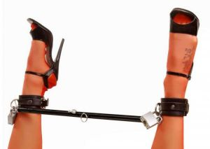 Spread Me Black Steel Spreader Bar